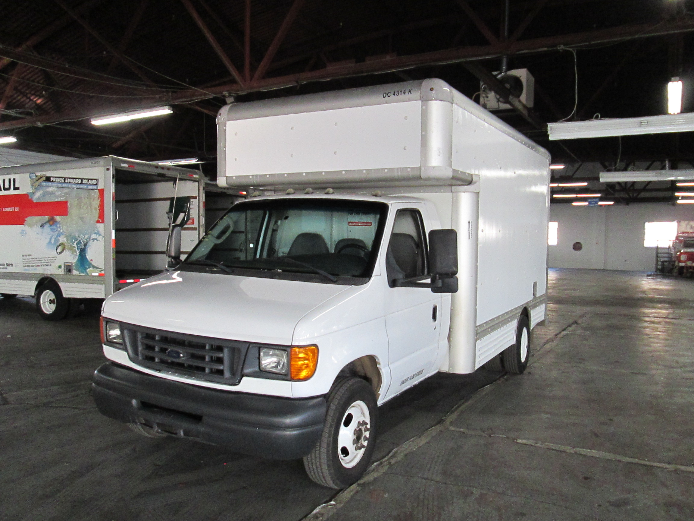 Used 2007 14 ' Box Truck for sale
