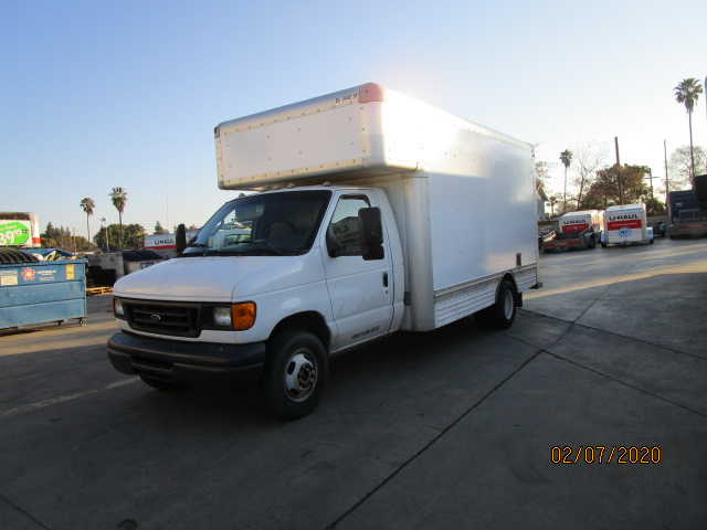 Used 2007 17 ' Box Truck for sale