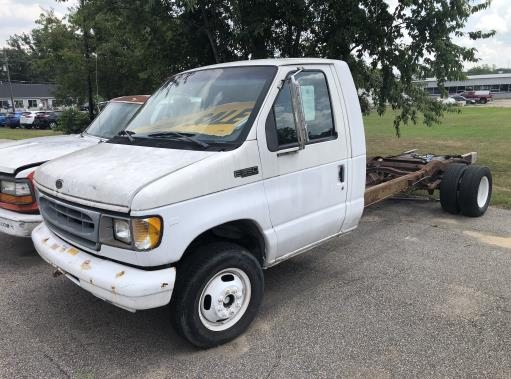 Used 2000 17 ' Box Truck for sale