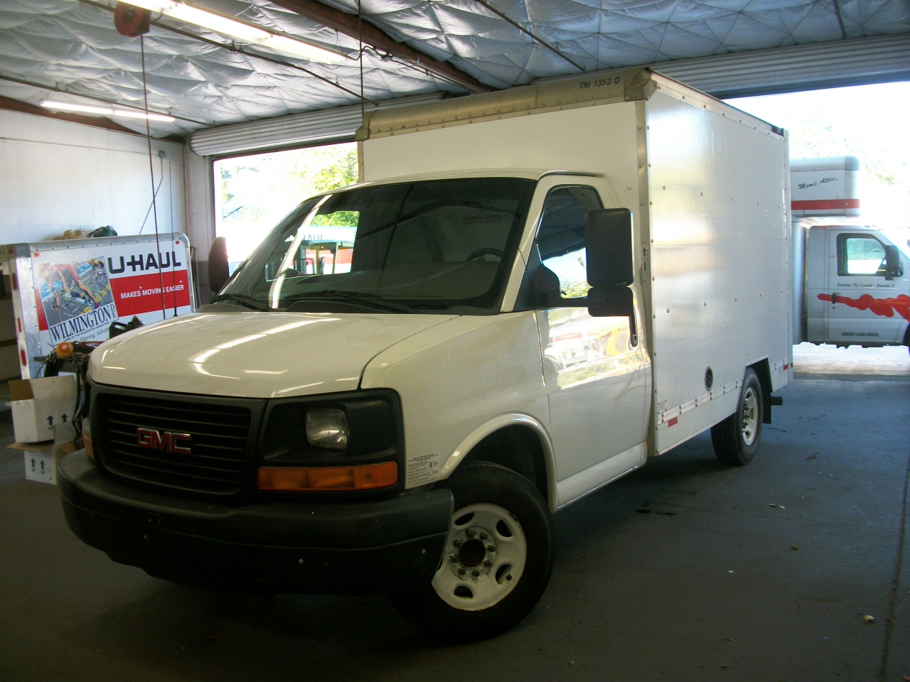 Used 2010 10 ' Box Truck for sale